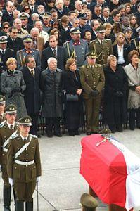 220px-Funeral_Gral._Bernales